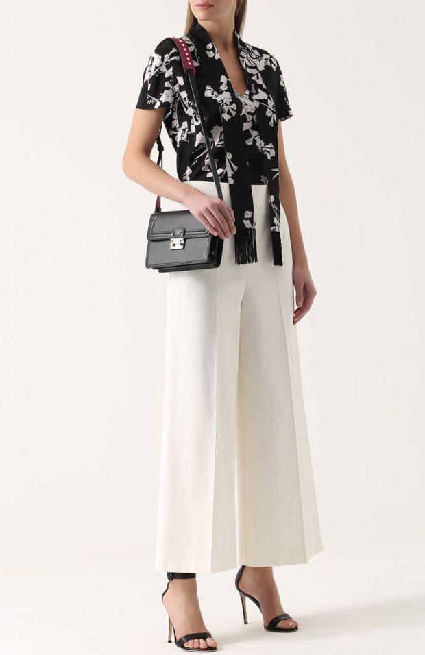Белые брюки женские: широкие под блузку черно-белую