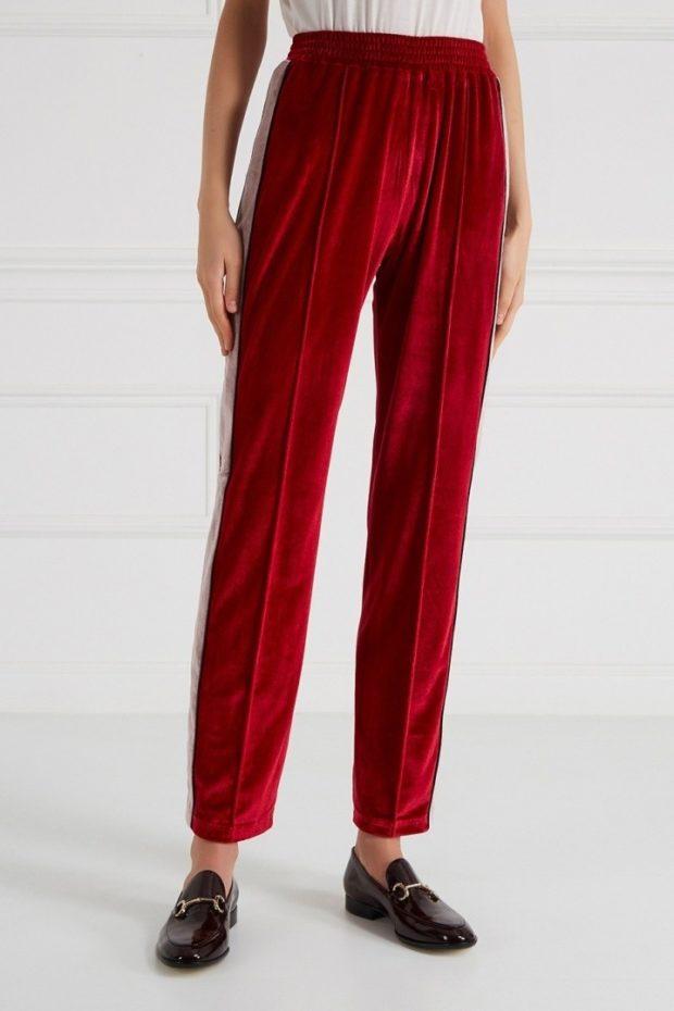 брюки весна-лето 2019: бархатные брюки красные со стрелками