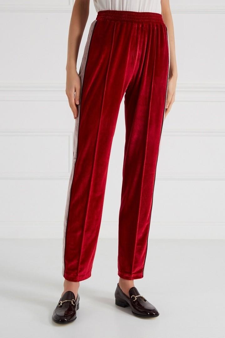 брюки весна-лето 2018: бархатные брюки красные со стрелками