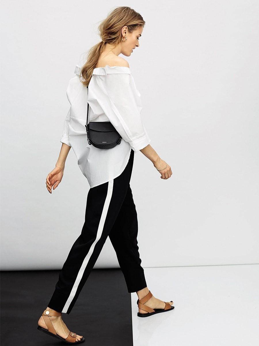 брюки весна-лето 2018: черные с белыми лампасами