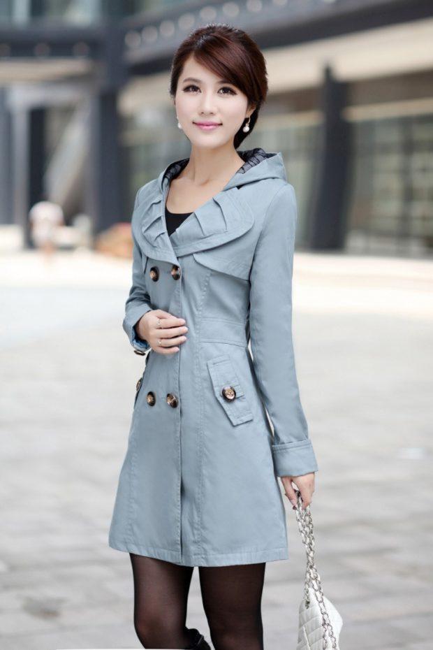 модные плащи: двубортный серый с раскладным воротом