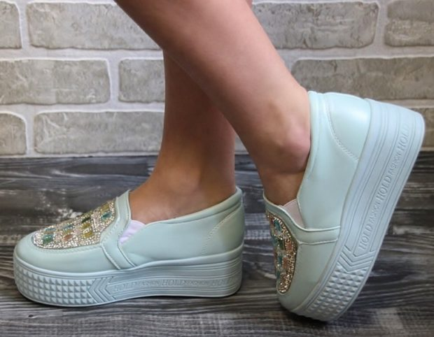 Слипоны женские фото с чем носить: на голую ногу