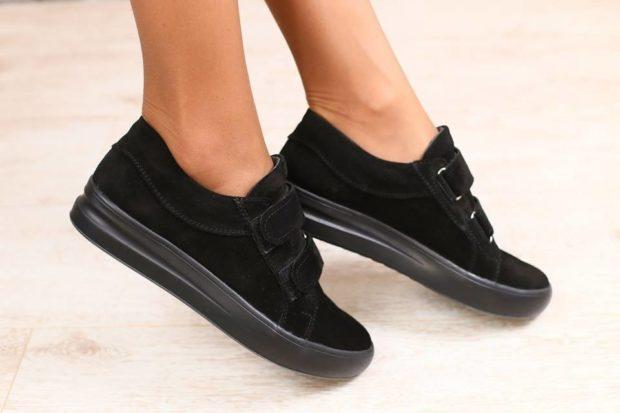 Слипоны женские с чем носить: черные на голую ногу