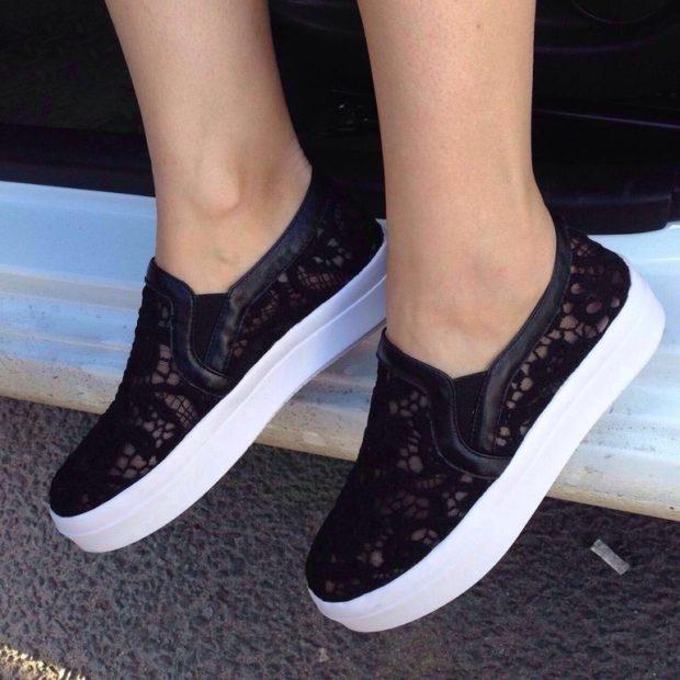 черные кружевные на голую ногу