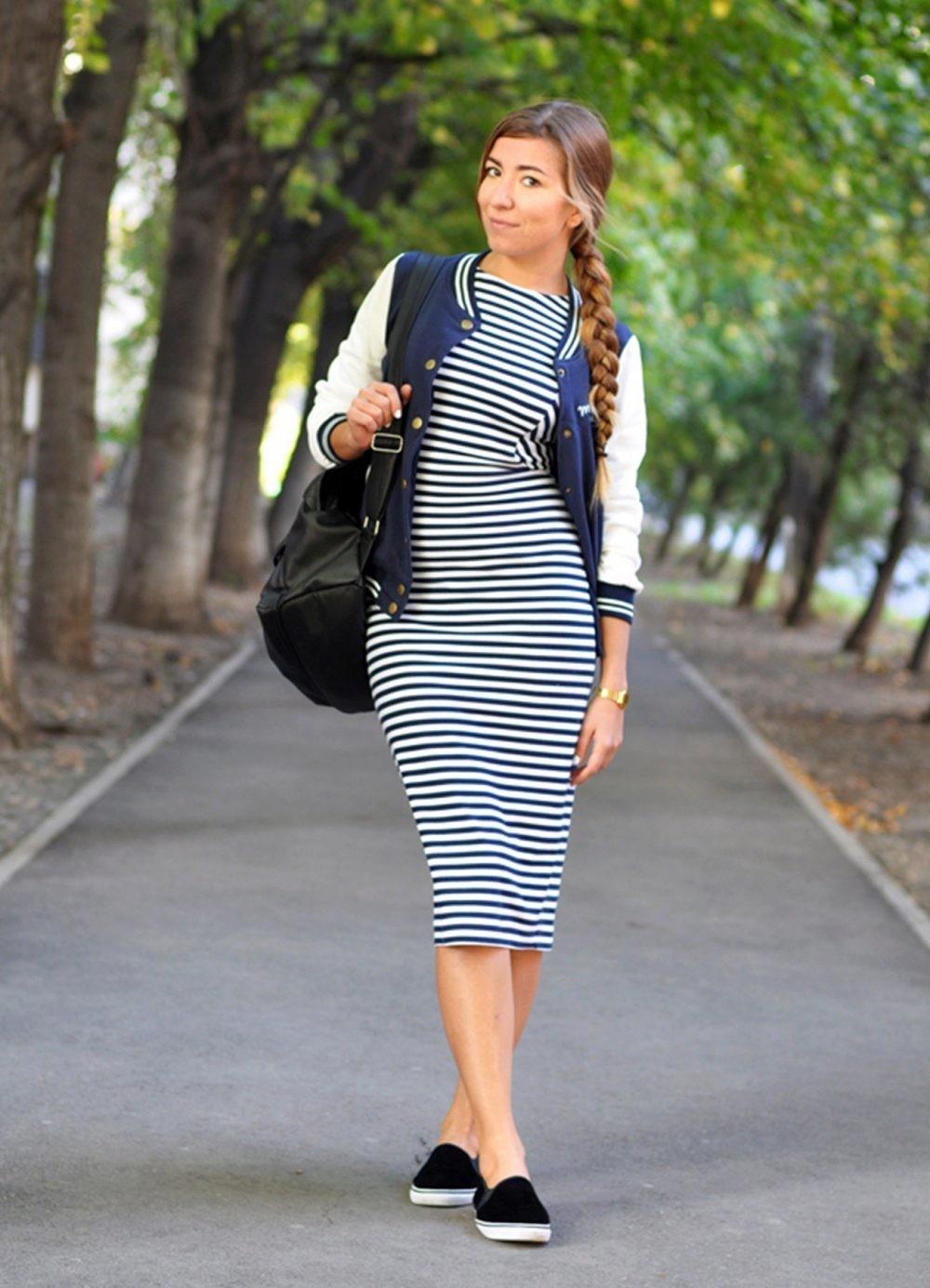 Слипоны женские фото с чем носить: под платье в полоску черные