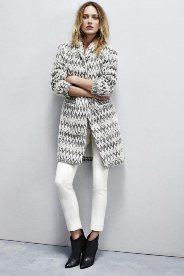Модные кардиганы осень зима 2019-2020: серо-белого цвета