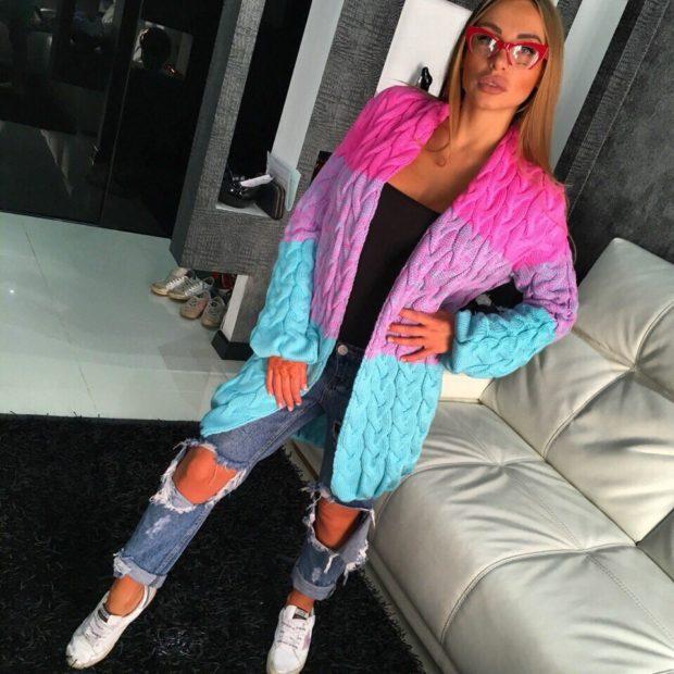 Модные кардиганы Лало осень зима 2018 2019 вязанные, переходящий розовый в голубой цвет
