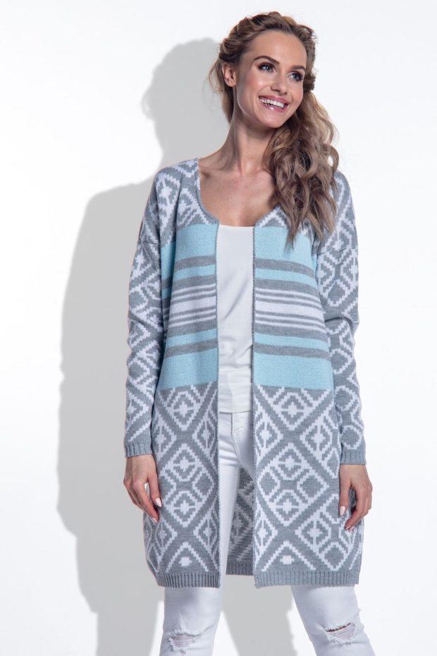 Модные кардиганы осень зима 2019-2020: серого цвета с голубыми полосками