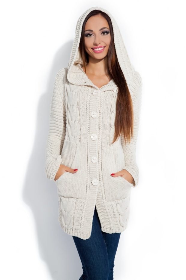 Модные кардиганы осень зима 2019-2020: длинный вязаный с капюшоном, белого цвета