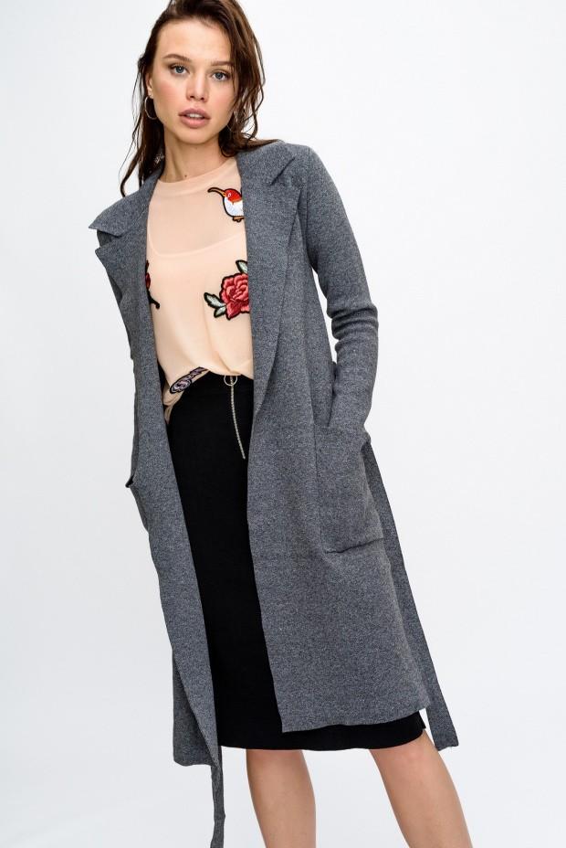 Модные кардиганы осень зима 2018 2019 длинный на поясе , серого цвета