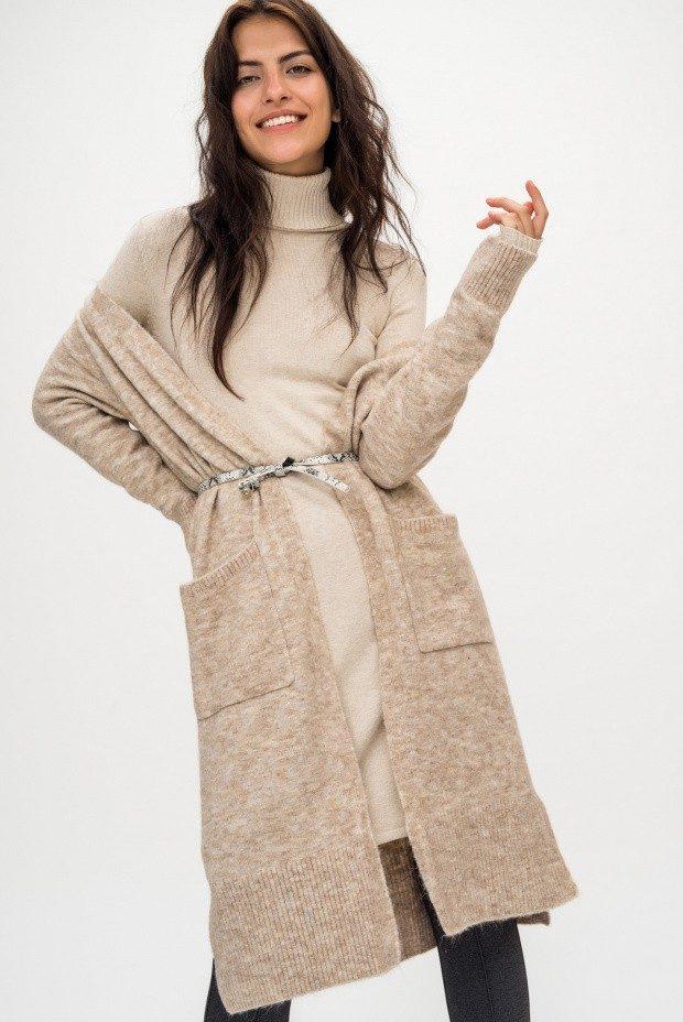 Модные кардиганы осень зима 2019 2020 трикотажный бежевого цвета