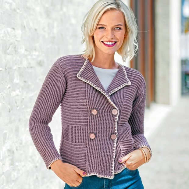 Модные короткие кардиганы осень зима 2019 2020 короткий вязанный с пуговицами сиреневого цвета