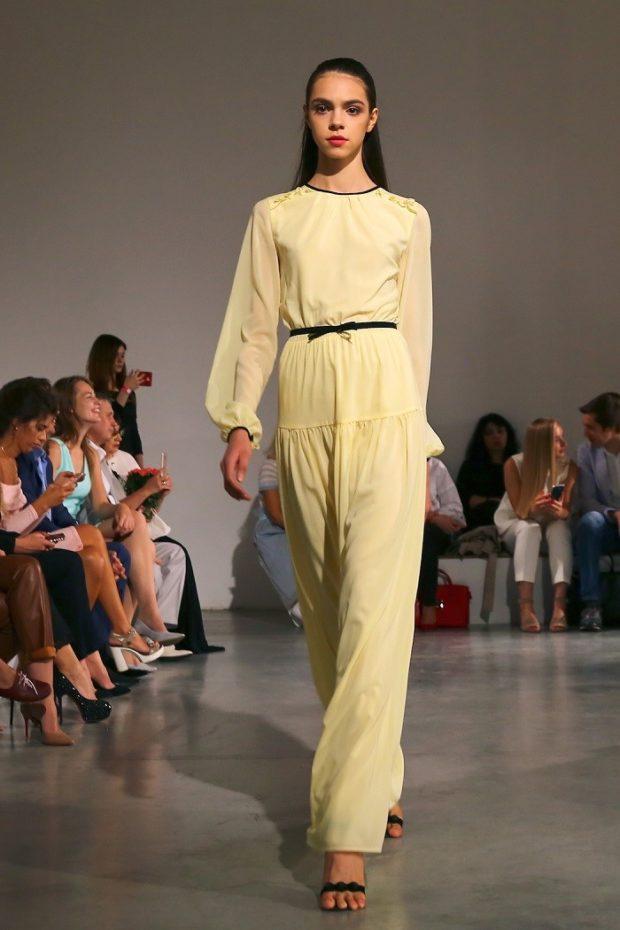 Модные образы весна лето 2021: брючный костюм желтый шифон