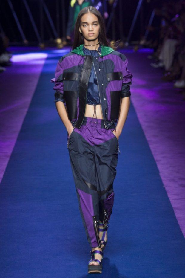 Модные образы весна лето 2021: костюм спорт фиолетовый с синим