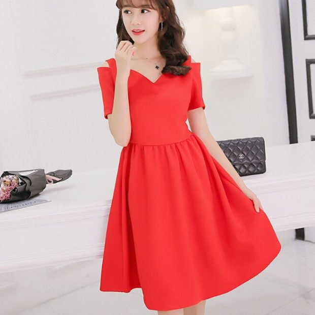 Модные образы весна лето 2018: платье красное юбка сонце