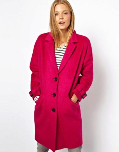 Модные образы весна лето 2018: малиновое пальто на пуговицах