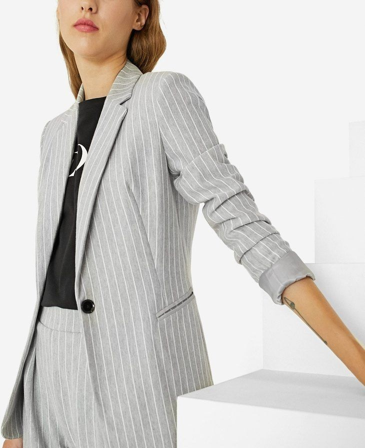 модные пиджаки осень зима 2018 2018: пиджак серый в полоску светлый