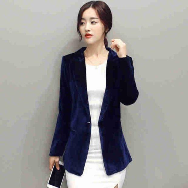 Модные пиджаки осень зима 2020: бархатный синий