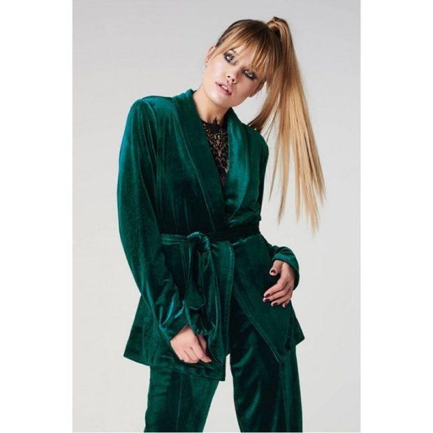 Модные пиджаки осень зима 2018 2019: зеленый бархатный с поясом