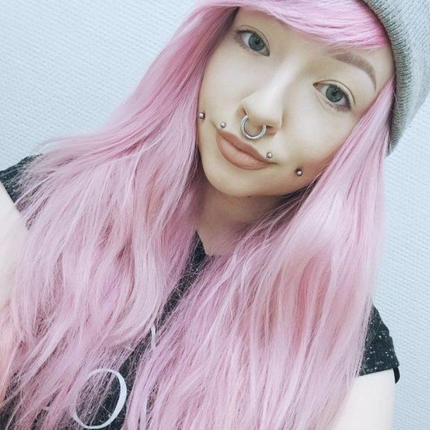 розовый с сиреневым оттенком