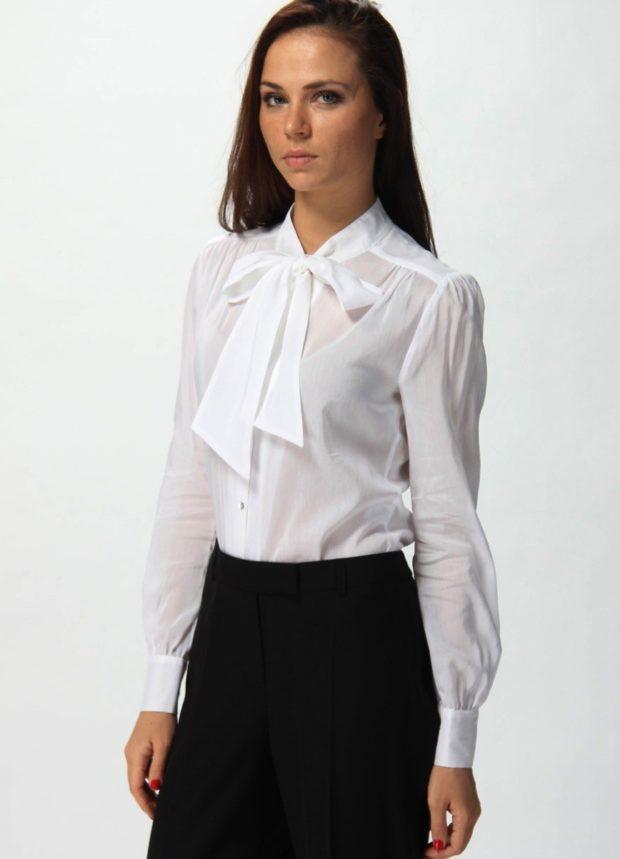 модные блузки 2018-2019: белая с бантом