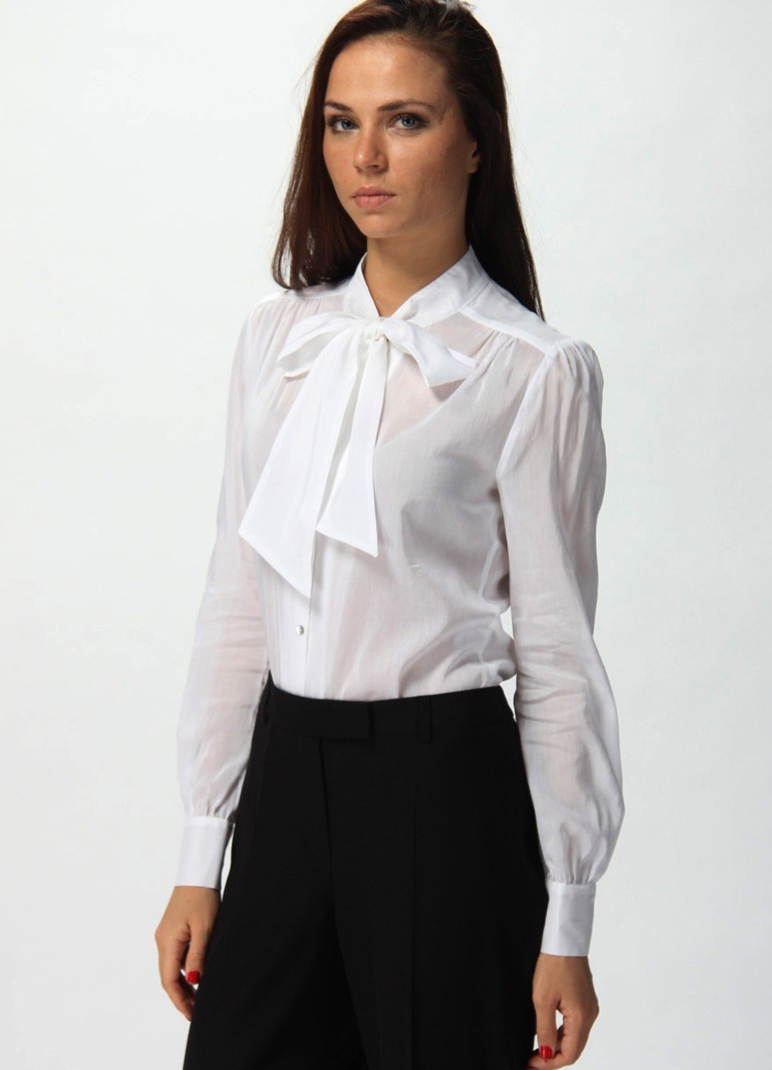 модные блузки 2018: блузка белая с бантом
