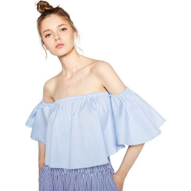 модные блузки 2018-2019: с открытыми плечами светлая