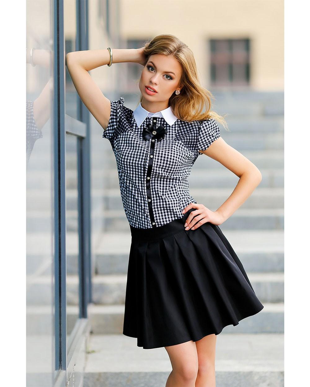Модные блузки 2018: в клетку черная с белым рукав короткий
