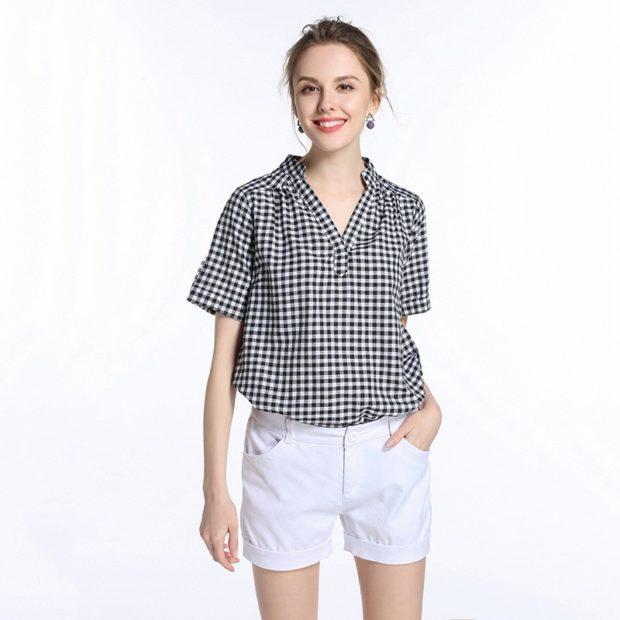модные блузки: в клетку черная с белым короткий рукав