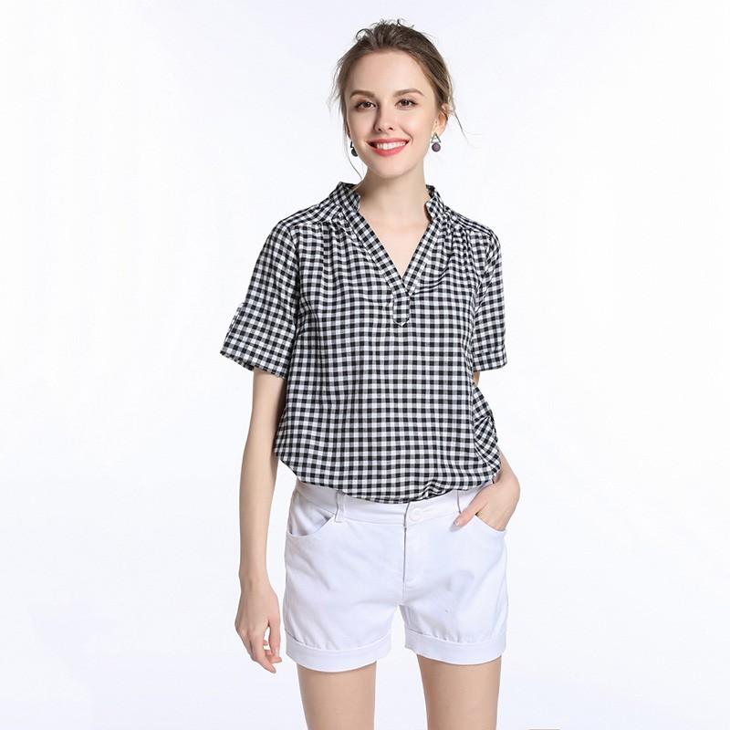 модные блузки 2018: в клетку черная с белым короткий рукав