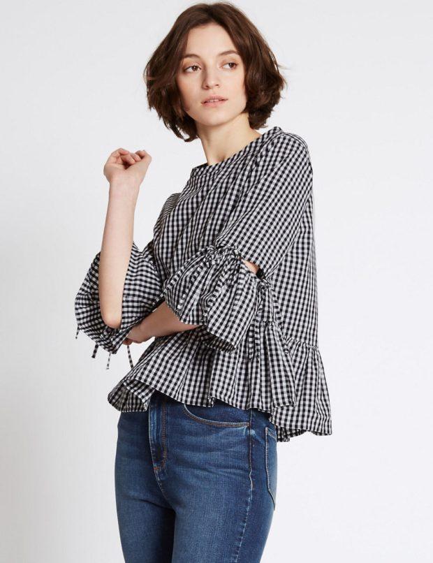 модные блузки: в клетку черная с белым с воланами