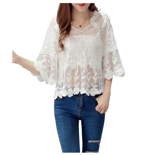 модные блузки: кружевная белая свободная