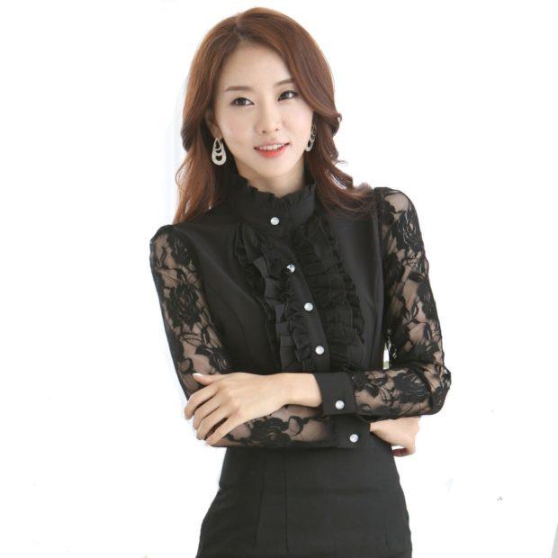 модные блузки: кружевная черная рукав длинный