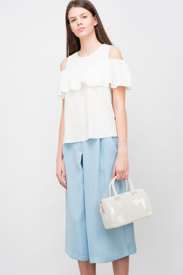женские блузы: с воланами белая открытые плечи