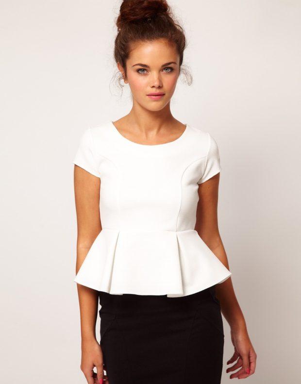 женские блузы: с баской белая