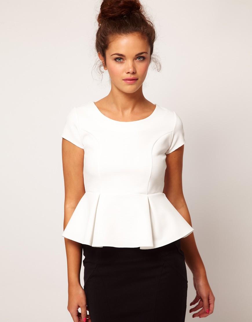 модные блузки 2018: с баской белая