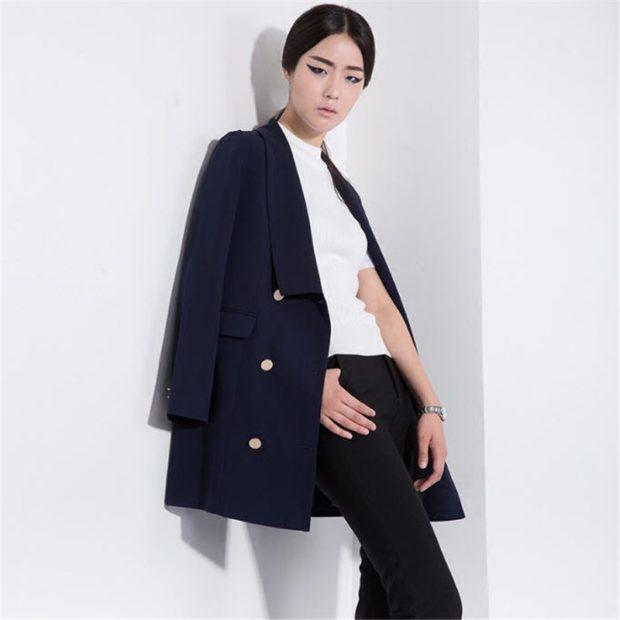 пиджаки осень зима 2019-2020: двубортный удлиненный синий