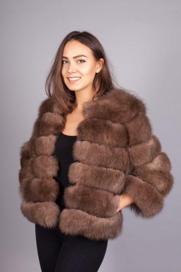 модные шубы 2018-2019: песец коричневая короткая