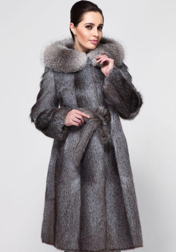 модные шубы 2018-2019: мех выдры длинная серая