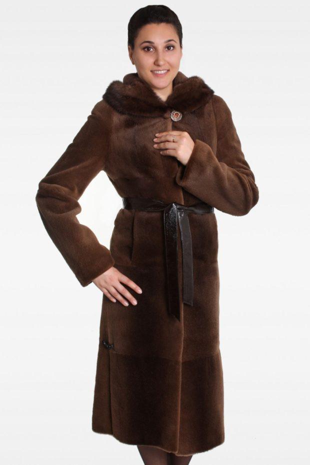 модные шубы 2018-2019: мех выдры коричневый