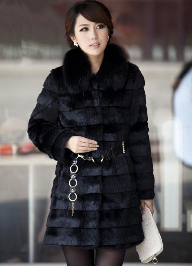 модные шубы 2018-2019: поперечка черная с поясом