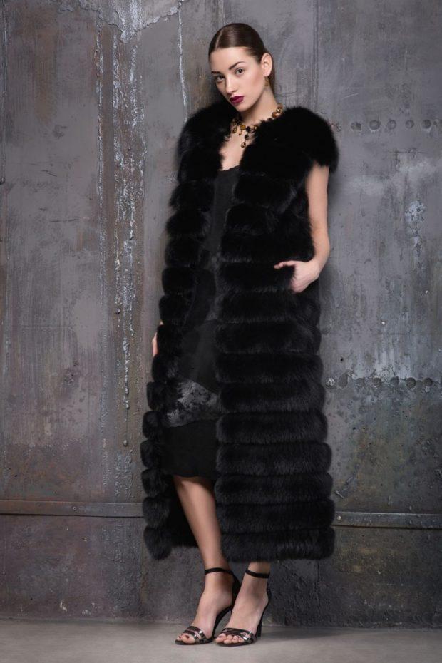 модные шубы 2019-2020: жилетка длинная черная
