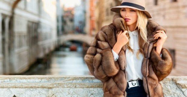 модные шубы 2018: шубка коричневая