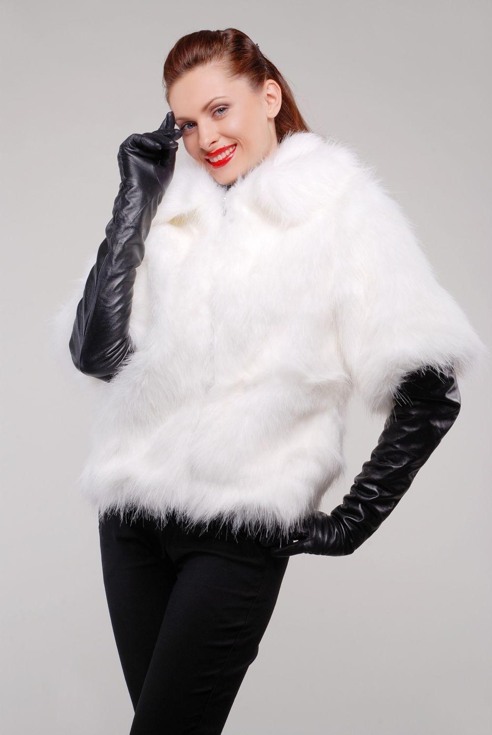 модные шубы 2018: рукав 3/4 белая короткая