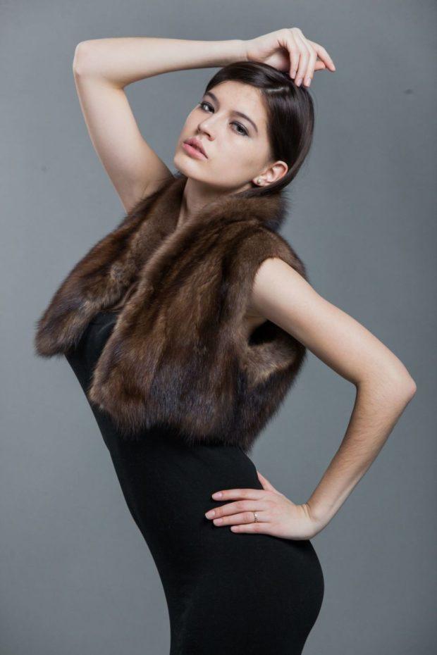 модная шуба: болеро коричневое без рукава