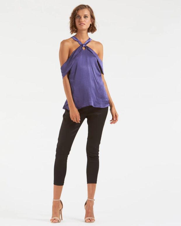 блузка новый год 2018-2019: лавандовый цвет открытые плечи