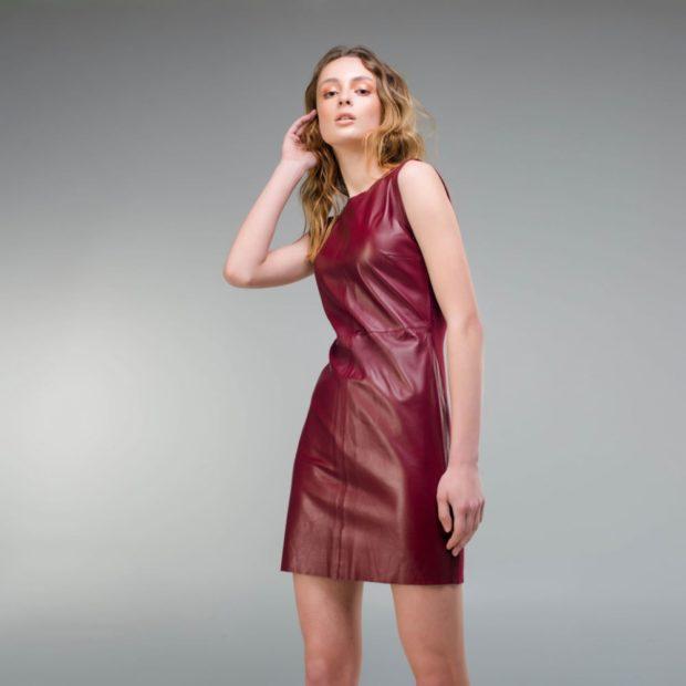 Цветовая палитра вплатьях весна лето 2018: кожаное платье, бордового цвета