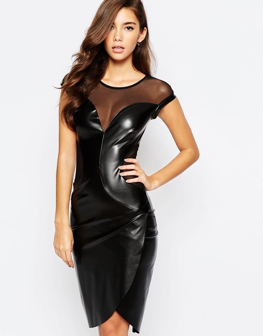 Цветовая палитра вплатьях весна лето 2018: лакированное кожаное платье с вставками, черного цвета
