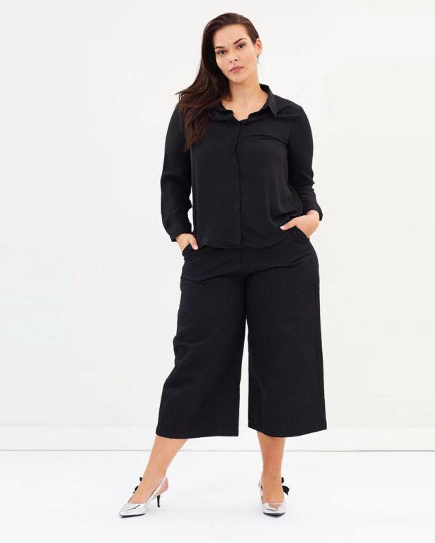 блузки для полных: черная