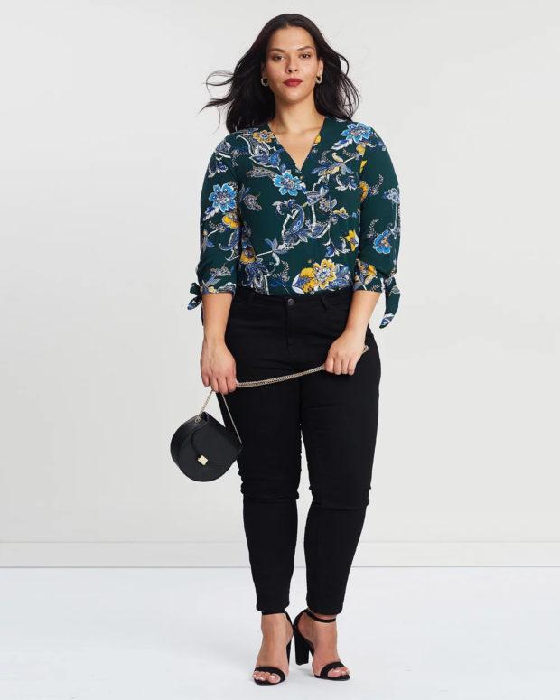 блузки для полных: цветочный принт